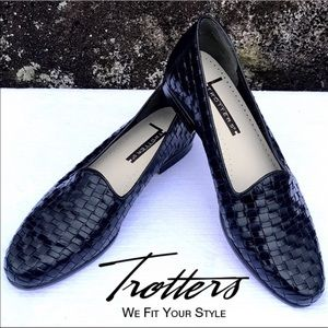 Trotters Liz Flat Woven Leather Loafer Sz 7.5N